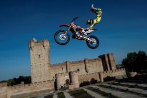 Photos by www.redbullxfighters.com