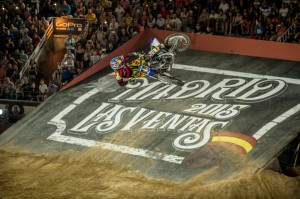 Photo by www.redbullxfighters.com
