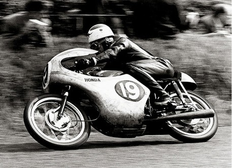 1961-Tom-Phillis-RC143