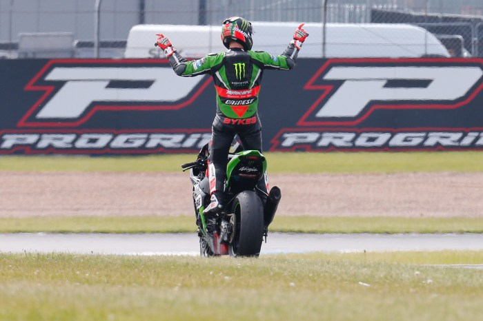 Tom-Sykes-Donington-Park-World-Superbike-Victory
