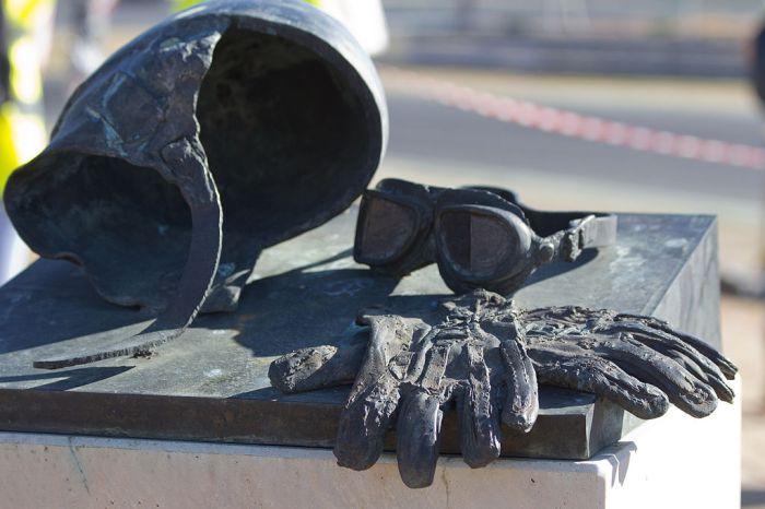 Monumento_a_Ángel_Nieto_en_el_Jarama_-_01